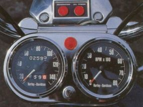 The control panel of the Harley-Davidson XLH was similar to other Sportsters.
