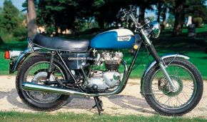 Color choices for the 1976 Triumph Bonneville were limited to blue or red with white accent panels. See more motorcycle pictures.