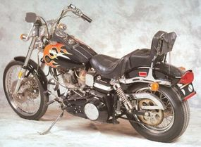 The Harley-Davidson FXWG Wide Glide was equipped with a step saddle.