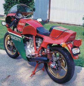 The 860-cc V-twin seems right at home in the                              birdcage chassis of the 1981 Hailwood Replica.