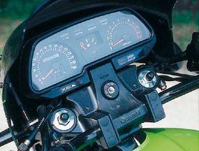 The KZ1000R's instrument panel was familiar to Kawasaki fans.