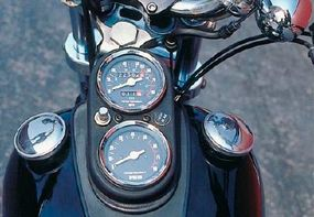 The fuel tank was topped with a speedometer, tachometer, and matching filler caps.