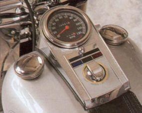 The Harley-Davidson FLSTF Fat Boy's control panel was simple, lacking a tachometer.