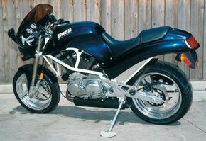 The S2 used a modified Harley-Davidson Sportster V-twin.