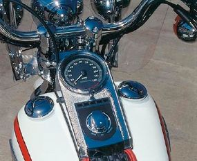This big, simple gauge design would have looked at home on a World War II-era Harley-Davidson.
