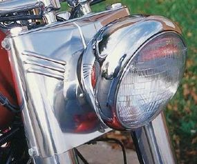 The headlight treatment dates from 1949, and was a classic Harley wasn't shy about reviving.