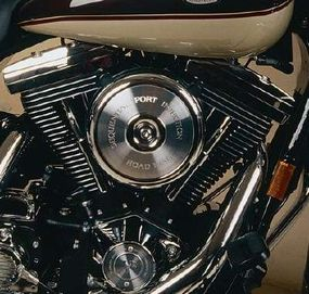 The Road King Classic's power initially came from the 80-cubic-inch Evolution V-twin with standard injection.
