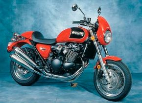 The 1998 Triumph Thunderbird Sport featured a water-cooled, double-overhead-cam 885-cc three-cylinder engine. See more motorcycle pictures.