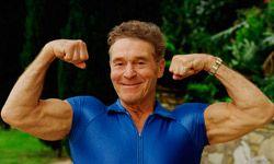 Jack LaLanne's bodybuilding fame gave him a leg up hawking a juicer.