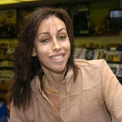 After being released from prison, Heidi Fleiss opened her own laundromat.