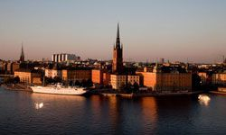 Stockholm is a watery city to begin with. Add a subaquatic lair, and you'll be cozying up to seaweed!