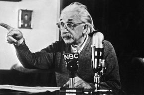 Einstein declares his opposition to the H-bomb and to the arms race between the USA and the USSR on Feb. 14, 1950, during a TV broadcast that created a considerable stir in the U.S. and all over the Western world.