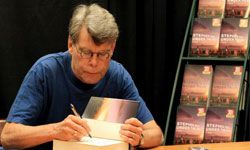 Stephen King is collaborating with his son Joe Hill on a graphic novel series.