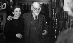 Sigmund and Anna Freud: Like father, like daughter.