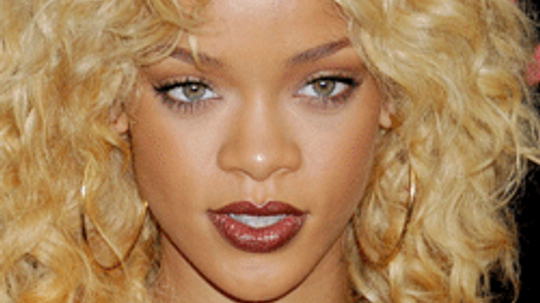 10 Fashion Lessons We Can Learn From Rihanna