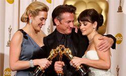 Kate Winslet, Sean Penn and Penelope Cruz at Oscars