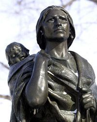 A statue of Sacagawea and her son, Jean Baptiste, inBismark, N.D.
