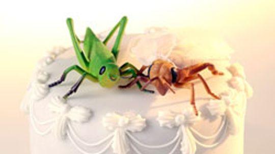 10 Strange and Unique Wedding Cakes