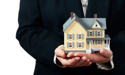 A real estate agent who specializes in short sales has found a potentially profitable niche.
