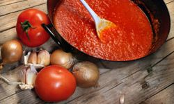 Pasta sauce is loaded with veggies.