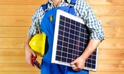 What qualifications should a green builder have? See pictures of building a house.