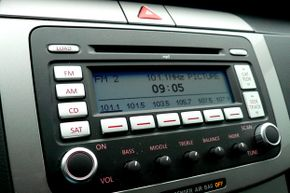 Teen drivers love new technology. A way to plug in any kind of phone or auxiliary music player is always a plus -- but a voice-command system is even better.
