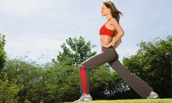 Lunges are great for warming up before a run.