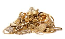The price of gold reached an all time high in 2010 so selling pieces you no longer wear could mean extra cash.