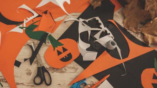 28 Fun Halloween Crafts