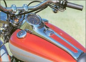 A chrome console houses the speedometer on the 2000 Harley-Davidson FXSTD Deuce.