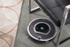 The Roomba 790, introduced in 2012, is an update to this 780 model.