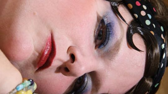 Bow Lips and Bold Eyes: Secrets of the '20s Makeup Look