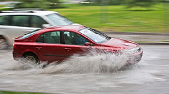 5 Completely Wrong Ways to Drive in the Rain
