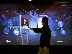 """LG的展位特色巨大的触摸屏界面,以及其他技术好东西。乐动-软件乐动体育网站5.0""""border="""