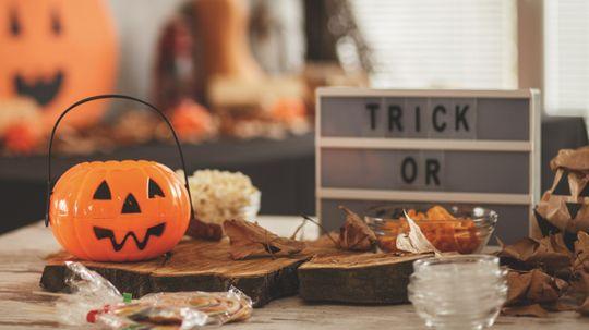 5 Budget Halloween Party Favor Ideas