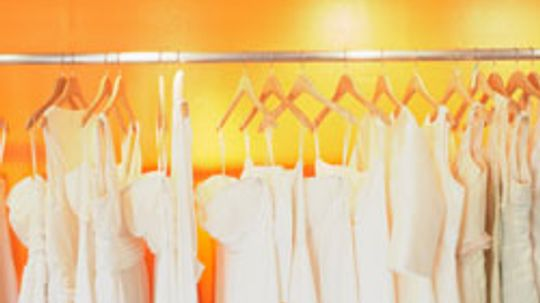 5 Dress Shopping Tips for Plus-size Brides