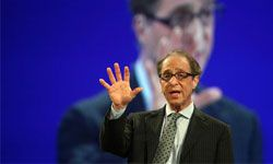 "Ray Kurzweil是一个突出的单一主义,相信这个奇点可能导致一种乌托邦。""border="