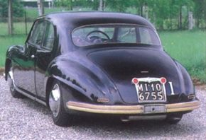For the Paris Motor Show, Carozzeria Touring prepared an elegant two-door sedan.