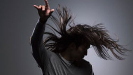 5 Hygiene Tips for Men with Long Hair