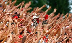 If everyone's throwing up four fingers during the fourth quarter, you should, too!