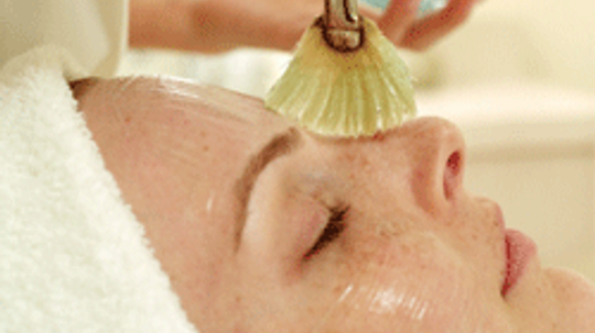 5 Wedding Beauty Treatments to Leave to the Pros