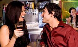 Whether you're going for dinner, drinks or dancing, looking and smelling your best are key to making a good impression on your date.