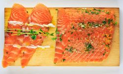 Foods rich in omega-3 fatty acids, such as salmon, may be good for helping to prevent dandruff.