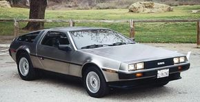 The DeLorean's poor quality tarnished its sexy image.